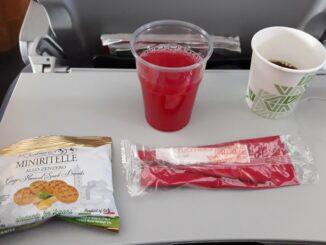 Snacks in Alitalia economy class