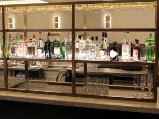 Gin & tonics in the Qantas Lounge at London Heathrow