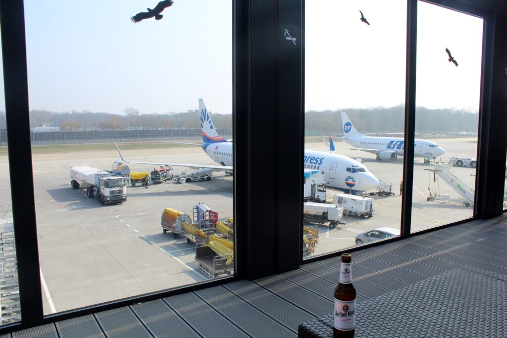 The outdoor terrace in the C-Lounge at Berlin Tegel