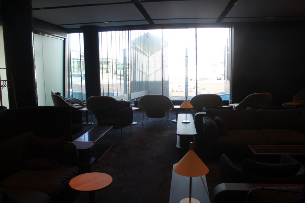 Finnair Platinum Wing, Helsinki