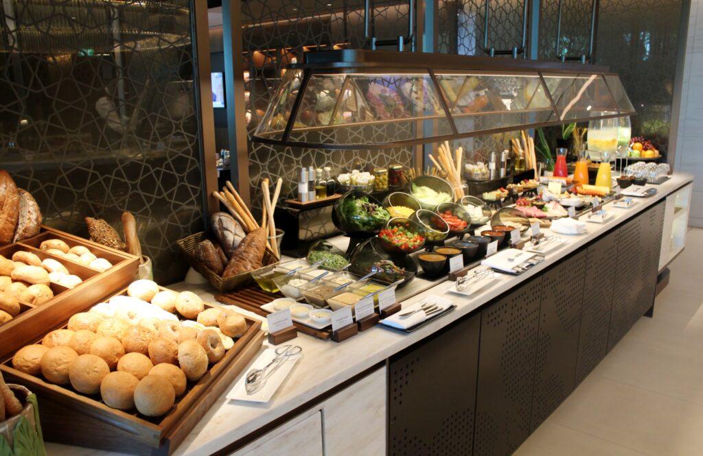 Dinner in the Qatar Airways Premium Lounge in Singapore