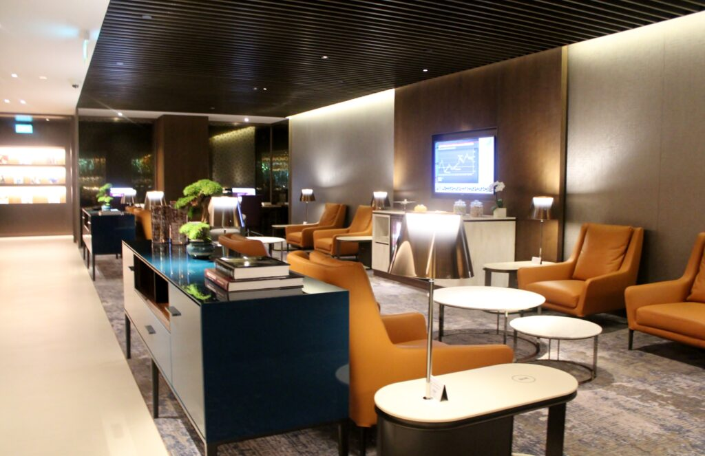 Qatar Airways Premium Lounge, Singapore